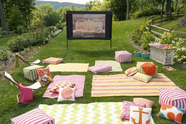 Outdoor Movie 5 Backyard End Of Summer Party Ideas Via Pretty My