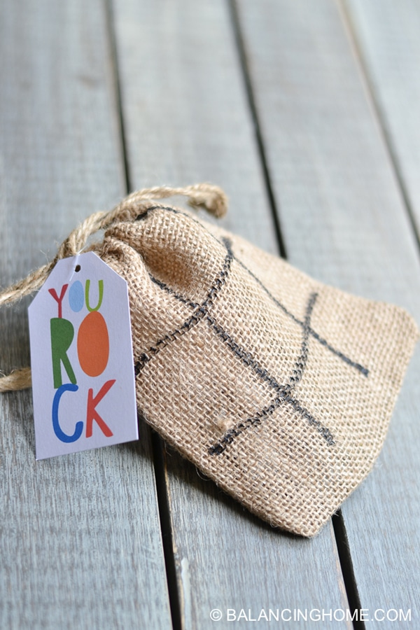 Tic Tac Toe Favors | Budget Birthday Favors via Pretty My Party