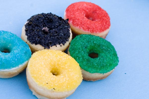Donut Olympic Rings, 3 Creative Olympic Party Ideas via Pretty My Party