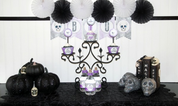 Free Halloween Party Printable Set via Pretty My Party