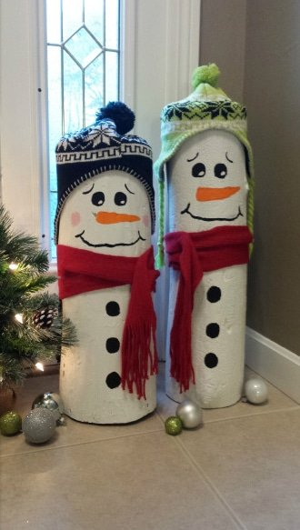 DIY Wooden Log Snowmen Decoration