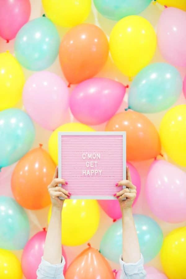 DIY Balloon Backdrop | DIY Balloon Ideas | Pretty My Party