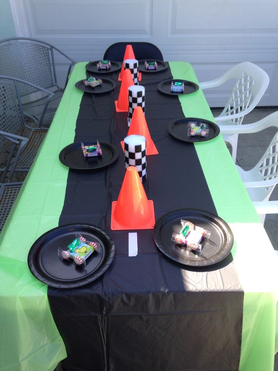 Blaze and the Monster Machine Party Table Idea
