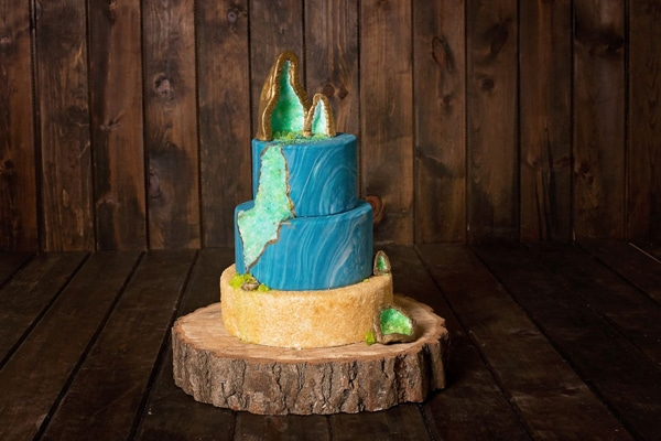 Blue and Green Geode Cake | Geode Cake Ideas