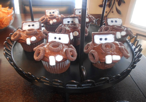 Mater Cupcakes | Cars Party Ideas | Pretty My Party