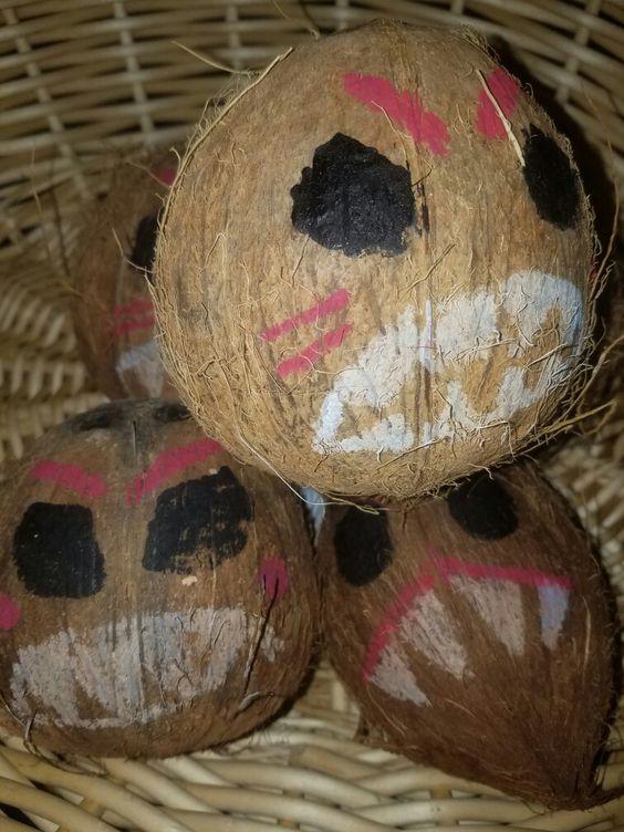 Disney Moana DIY Coconut Decor | Pretty My Party