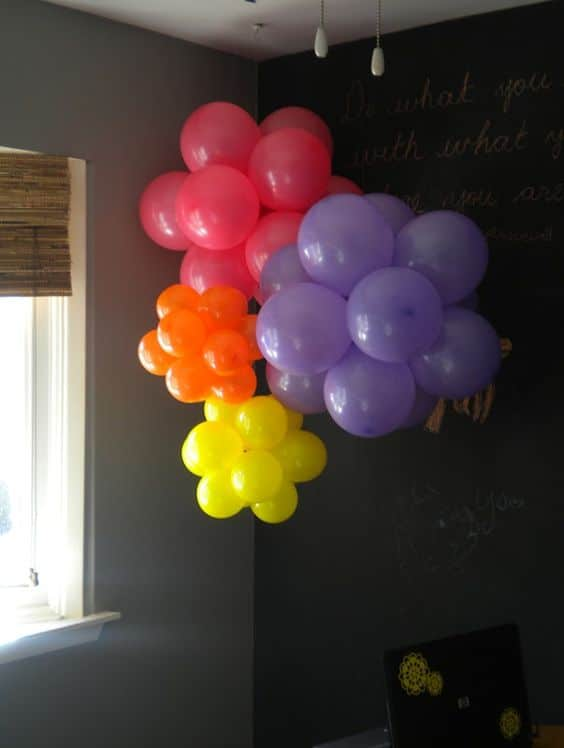 DIY Balloon Clusters | DIY Balloon Party Ideas | Pretty My Party