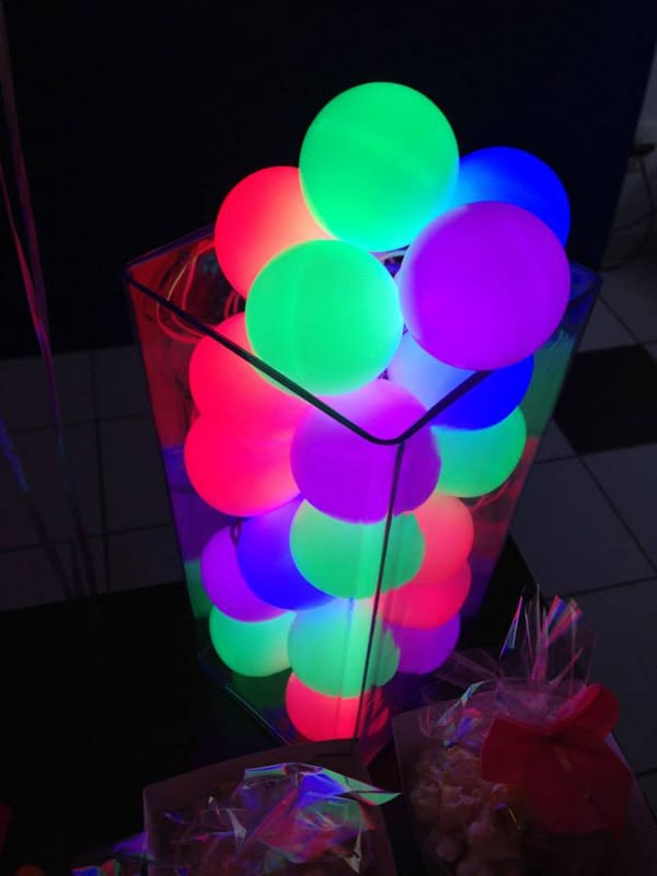 Glow In The Dark Balloon Party Decor Idea