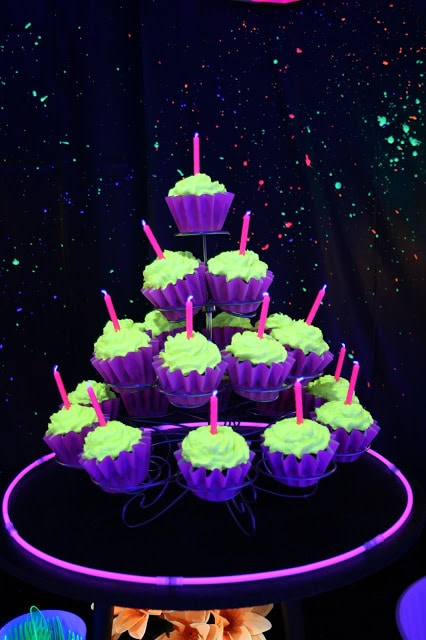 Glow in the Dark Cupcakes | Pretty My Party