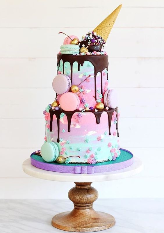Ice Cream Drip Cake | Freak Cake Trend | Pretty My Party