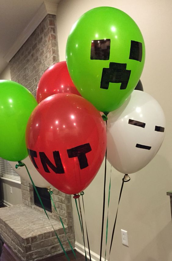 DIY Minecraft Party Balloons