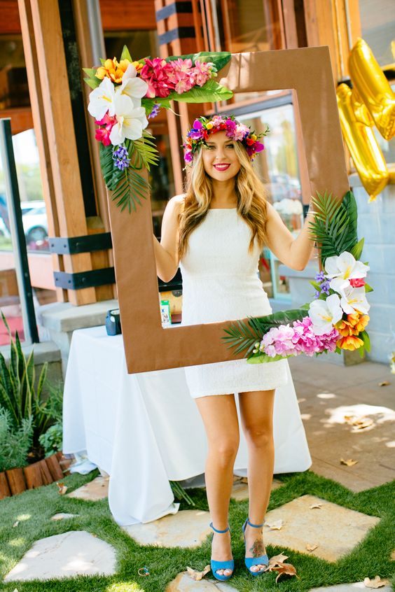 DIY Moana Party Photo Booth Frame | Pretty My Party