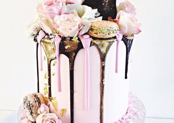16 Fabulous Freak Cakes