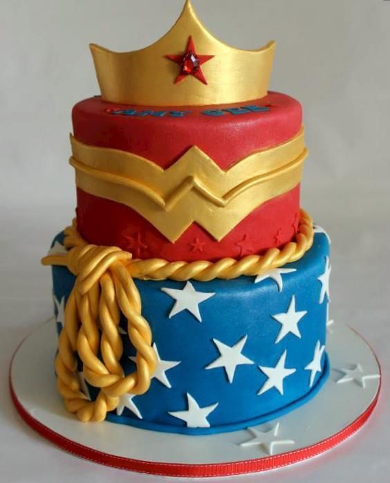 Wonder Woman Birthday Cake | Wonder Woman Party Ideas