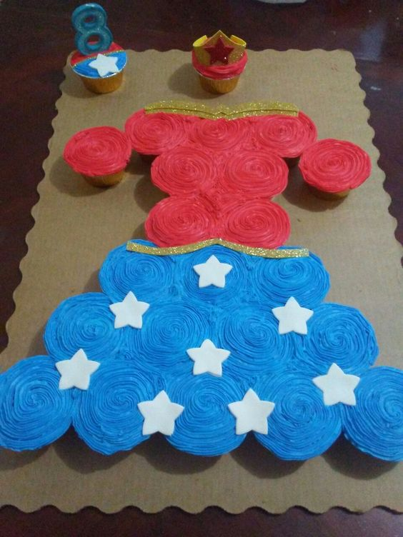 Wonder Woman Cupcake Cake | Wonder Woman Party Ideas