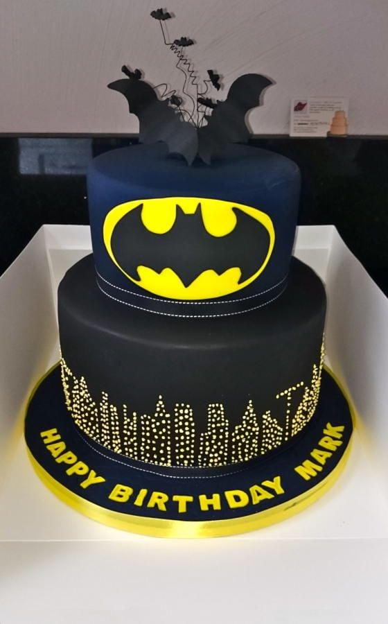 Batman Cake   Batman Party Ideas