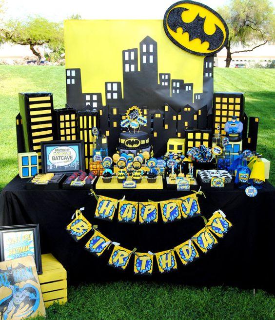Batman Party Table   Batman Party Ideas