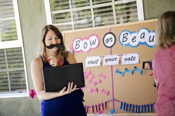 Bow or beau gender reveal party game.