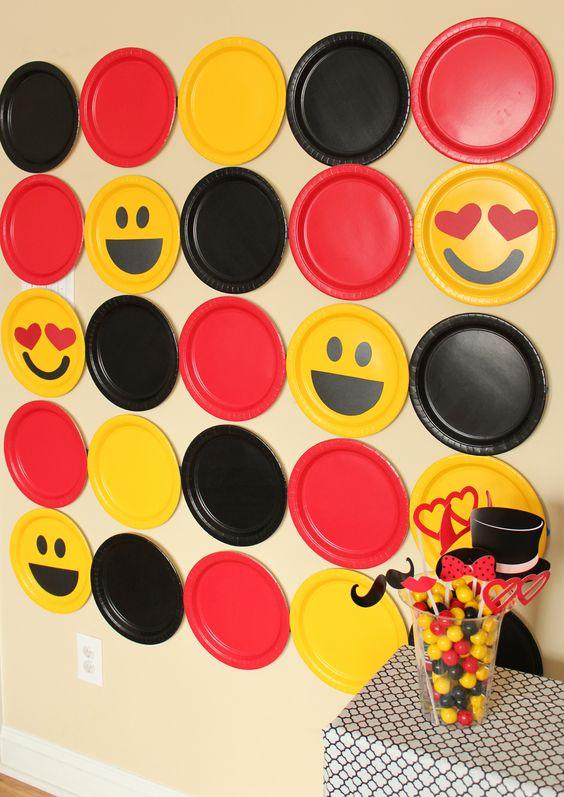 DIY Emoji Photo Booth Backdrop | Emoji Birthday Party Ideas