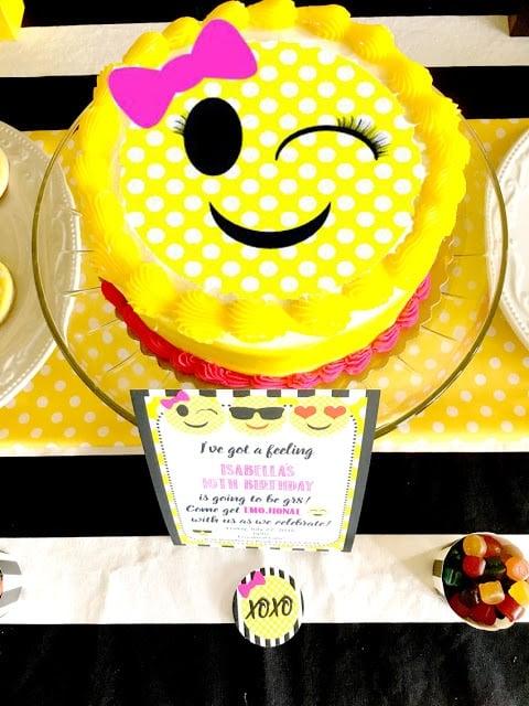 Emoji Cake | Emoji Birthday Party Ideas