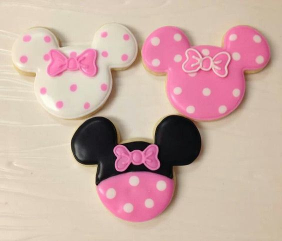 Minnie Mouse Party Ideas   Minnie Cookies