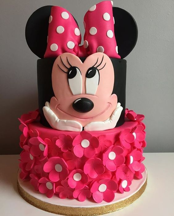 Minnie Mouse pink and black birthday cake