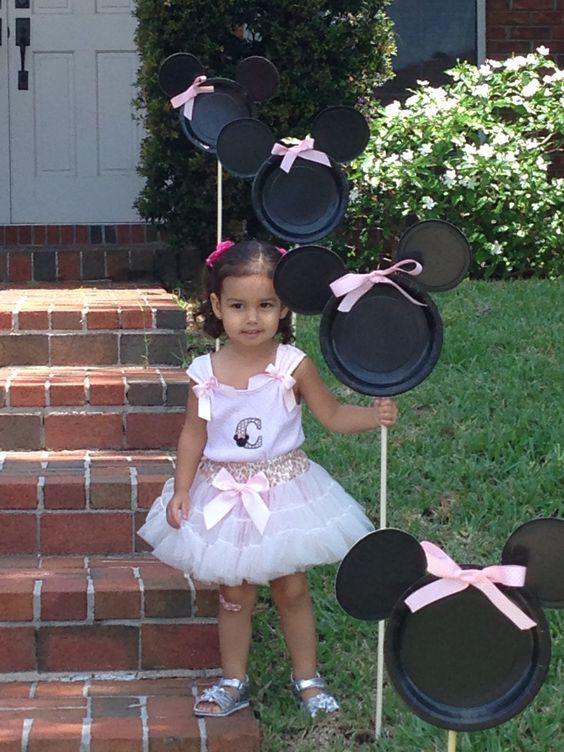 Minnie Mouse Party Ideas   DIY Party Entrance