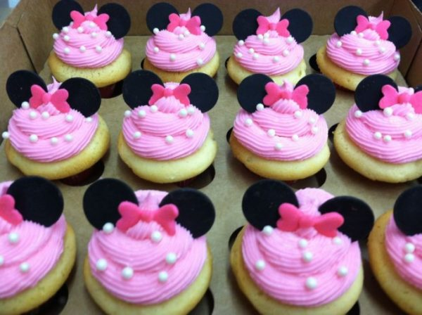 Minnie Mouse Party Ideas   Cupcakes