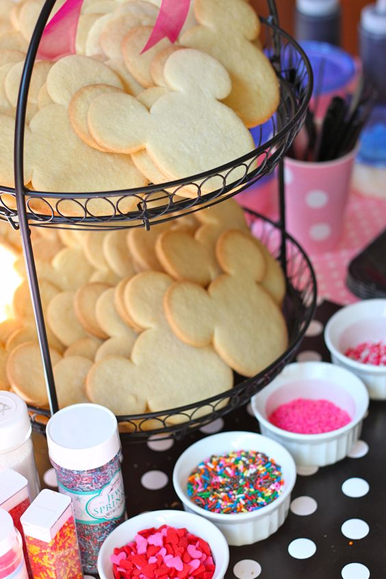 Minnie Mouse Cookie Station   Minnie Mouse Party Ideas