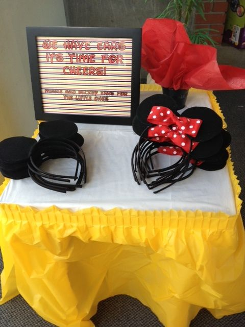 Headband ears for unique Minnie Mouse party favors
