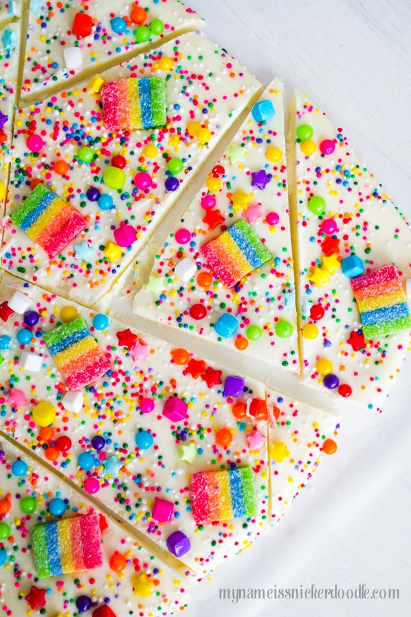 Rainbow Candy Bark | Rainbow Party Ideas