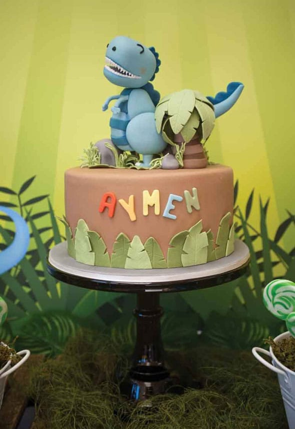 Dinosaur Birthday Cake - Dinosaur Themed Party Ideas