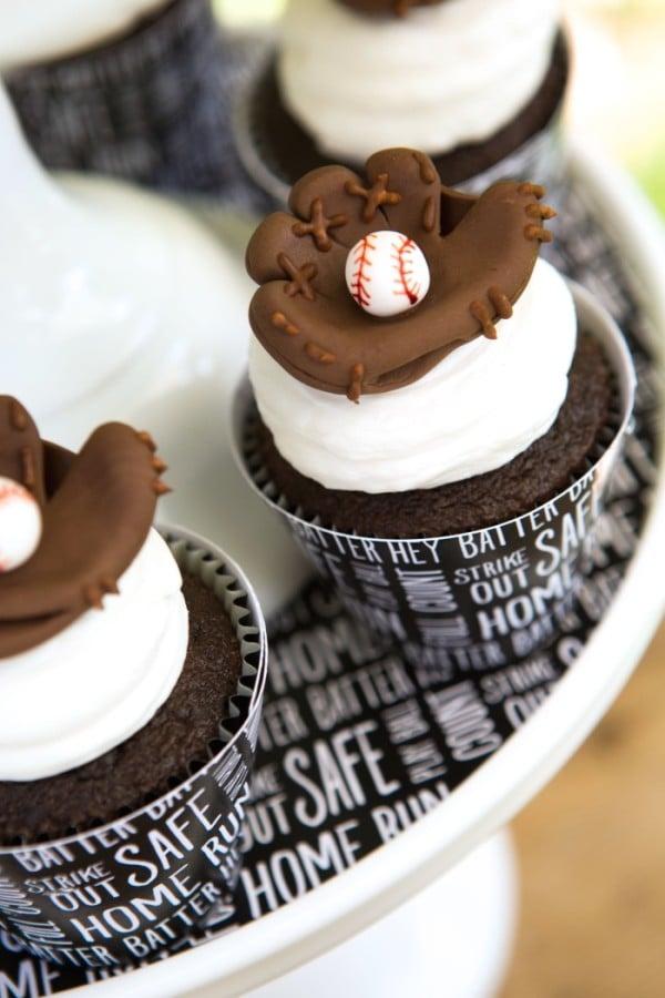 Baseball Cupcakes | Baseball Party Ideas