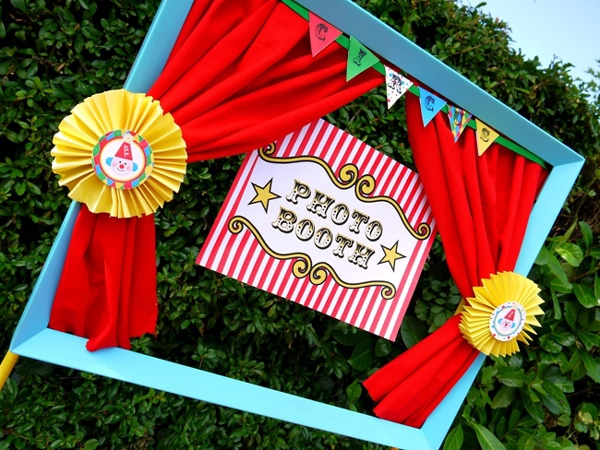 Carnival Photo Booth Idea | Carnival Party Ideas