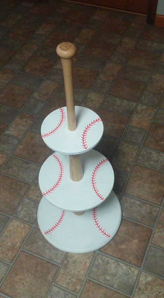 DIY Baseball Cupcake Holder | Baseball Party Ideas