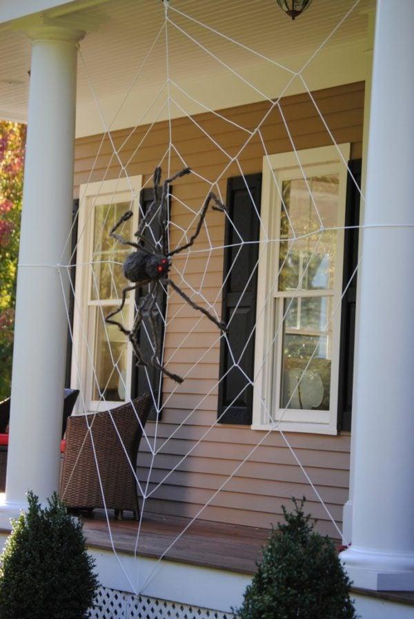 DIY Tangled Spider Web Halloween Porch Idea