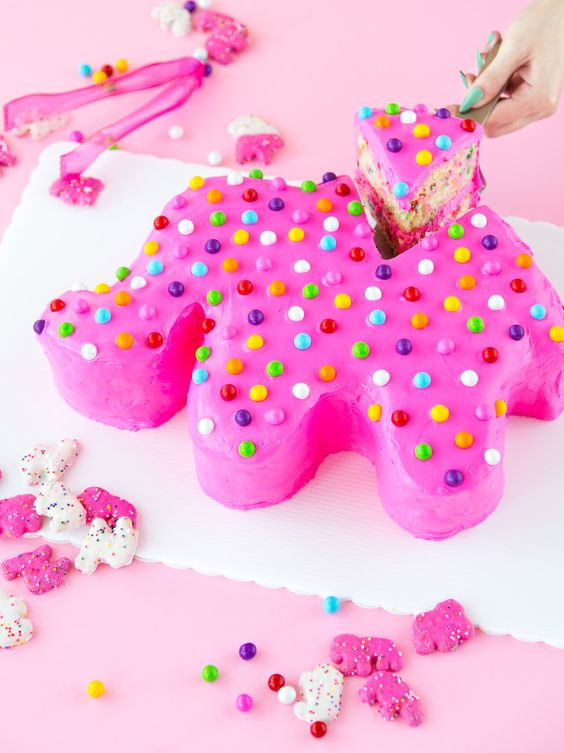 Giant Frosted Animal Cookie Cake | Circus Animal Cookie Party Ideas