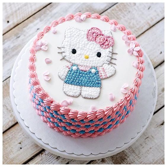 Hello Kitty Birthday Cake | Hello Kitty Party Ideas