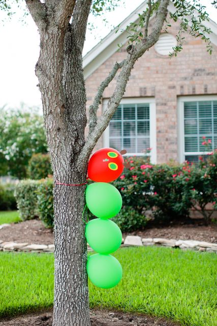 Very Hungry Caterpillar Balloon Decoration | Very Hungry Caterpillar Party Ideas