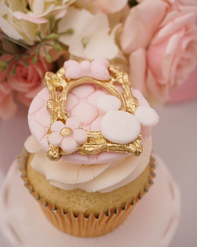Pink and Gold Minnie Mouse First Birthday Party Cupcakes