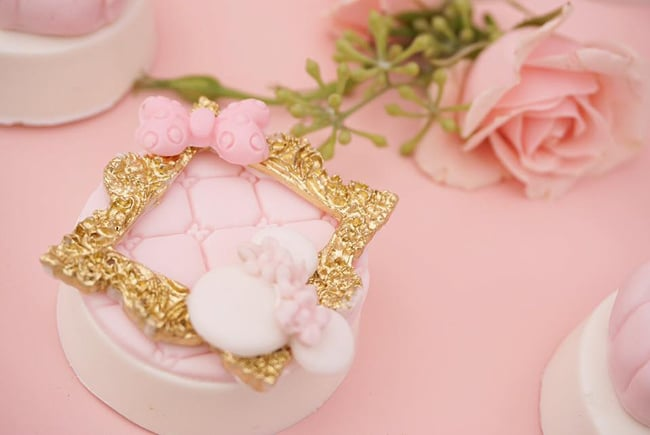 Pink and Gold Minnie Mouse First Birthday Party Oreos