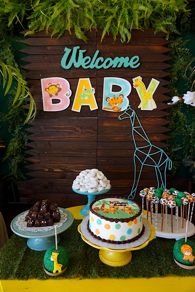 Animal Safari Themed Baby Shower Ideas