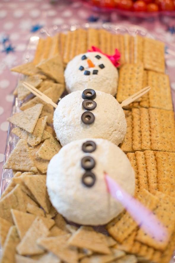 Adorable Snowman Dip | Winter Wonderland Party Ideas