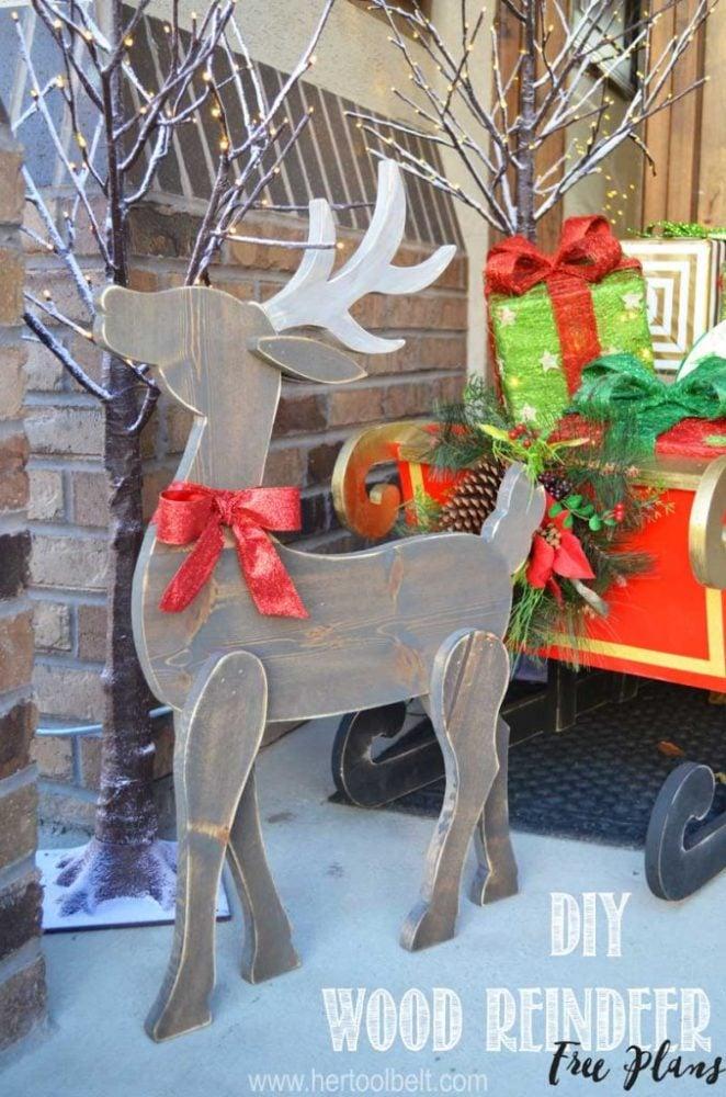 DIY Wood Reindeer Christmas Decor