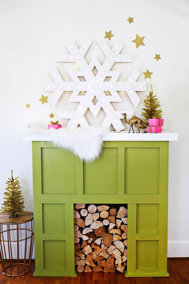 DIY Light Up Snowflake Marquee