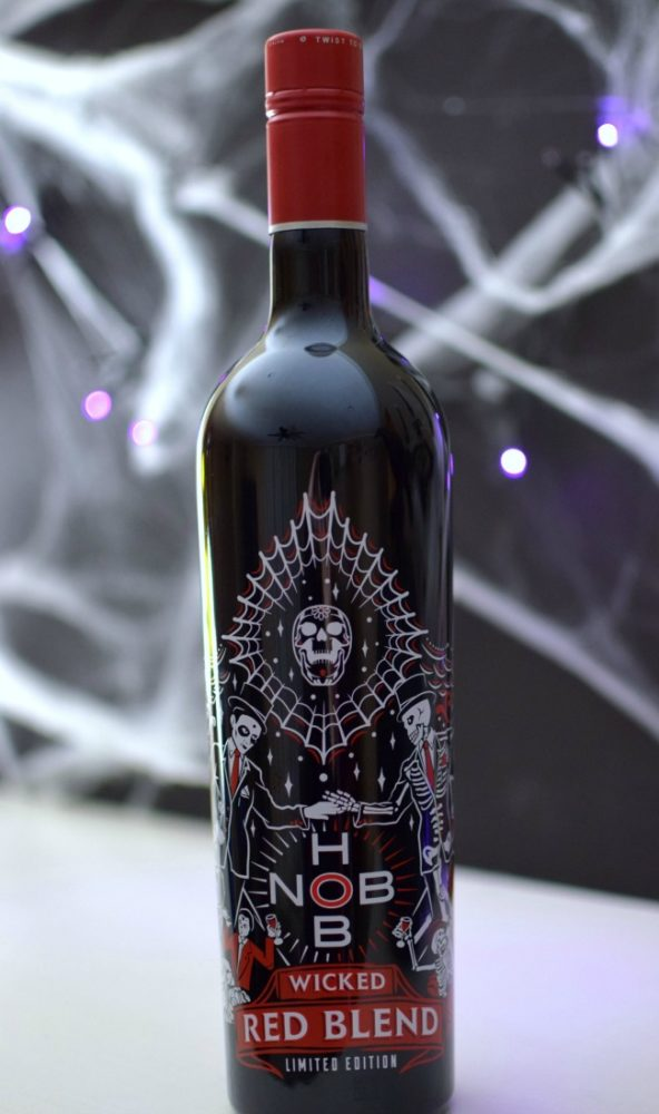 9 Frightfully Easy Halloween Party Essentials