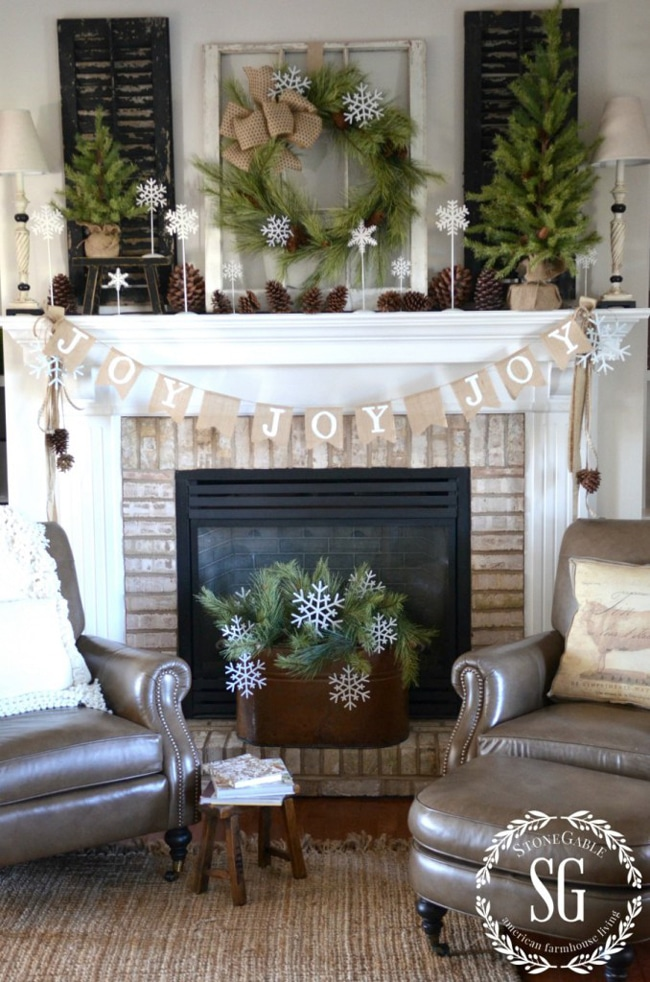 Country Farmhouse Holiday Fireplace Mantel