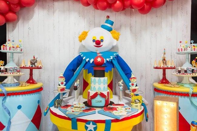 Circus Clown Cake Table