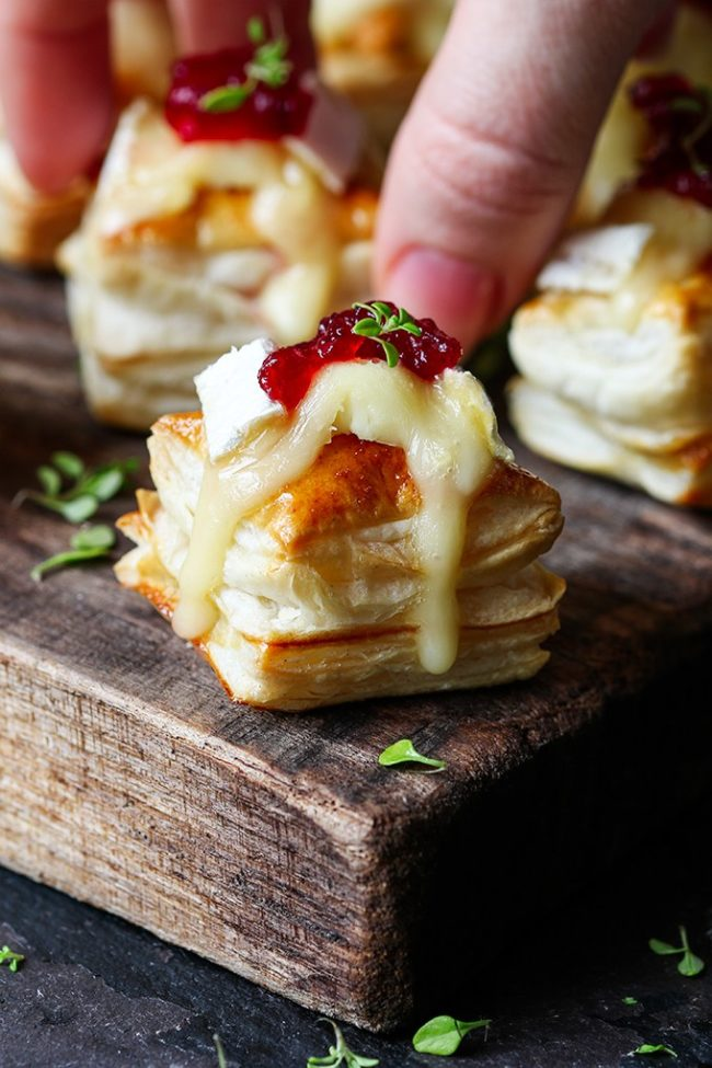 Appetizer Ideas For Christmas Party Part - 31: Cranberry U0026 Brie Bites - Easy Christmas Appetizer Ideas