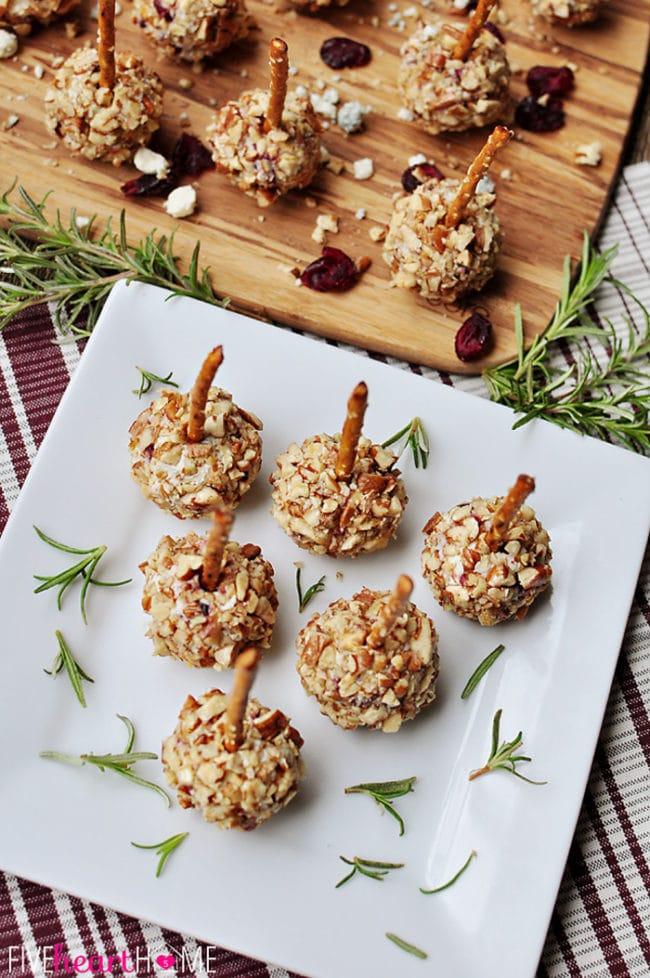 Mini Cheeseball Bites - Easy Christmas Appetizer Ideas